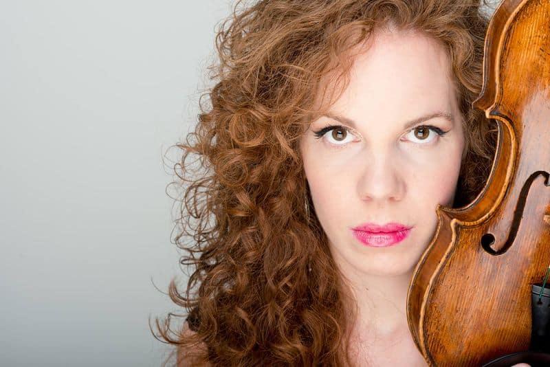 Miriam Davis: Violin
